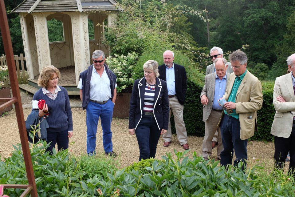Garden tour Belvoir 2